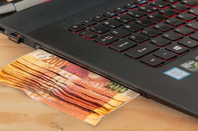 Počítače a bankovky